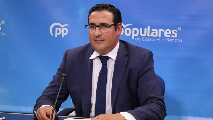 El PP-CLM exige a Page que se oponga a que el Gobierno social comunista de Sánchez e Iglesias expropien los ahorros de los ayuntamientos