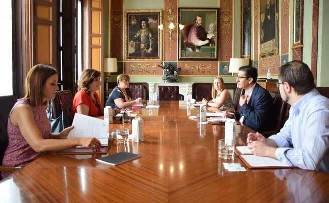 El Gobierno de Castilla-La Mancha potenciará la atracción de visitantes a través de la señalización de los recursos turísticos de la región