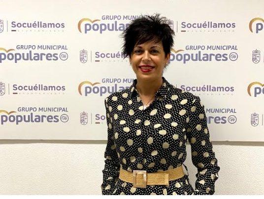 Pilar Plaza critica la inoperancia de la señora García respecto a la venta presencial de billetes en la Estación de Renfe.