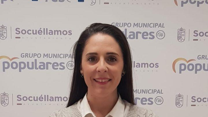 """Carmen Sánchez denuncia que """"la mala gestión del concejal de urbanismo y mantenimiento repercute negativamente en los vecinos""""."""