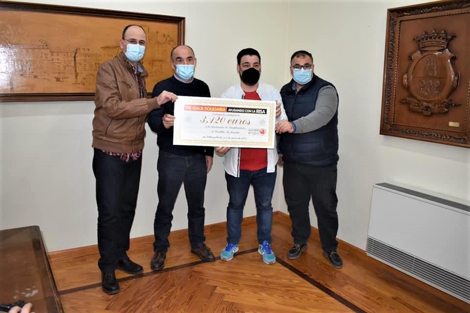 """La Asociación de Trasplantados recibe 3,120 euros por la VIII edición de """"Ayudando con la Risa"""""""