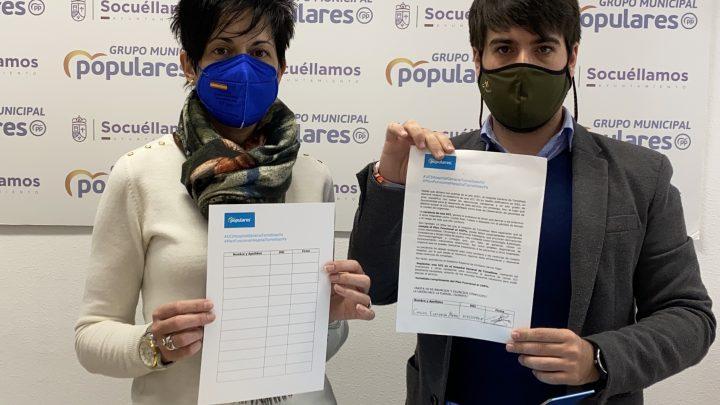 Espinosa pide a los socuellaminos que firmen a favor de implantar una UCI en el Hospital de Tomelloso y del inmediato cumplimiento del Plan Funcional al 100%