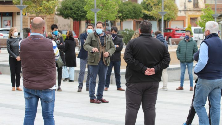 Núñez reclamará a Page y al resto de diputados regionales que voten a favor de una propuesta para garantizar que no se cerrará la hostelería en Castilla-La Mancha