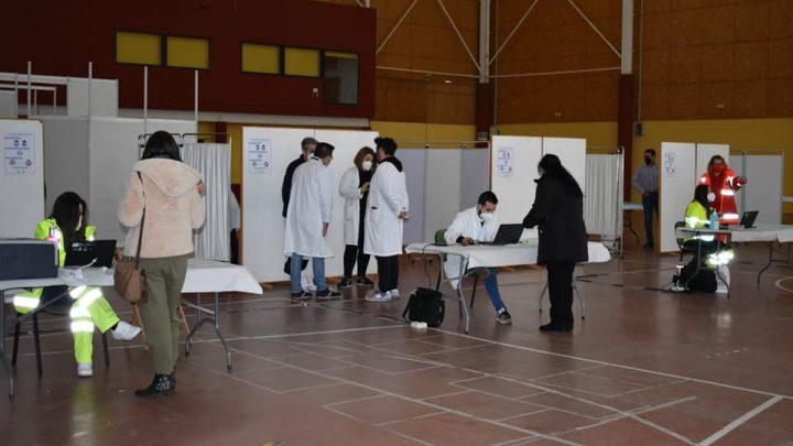El Alcalde visita el punto de vacunación centralizada habilitado en el Pabellón Ferial de Villarrobledo