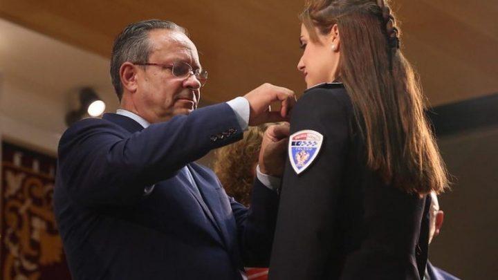 El Gobierno regional reconoce a 73 integrantes de la Policía Local por su trayectoria, una actuación meritoria o la permanencia en el servicio