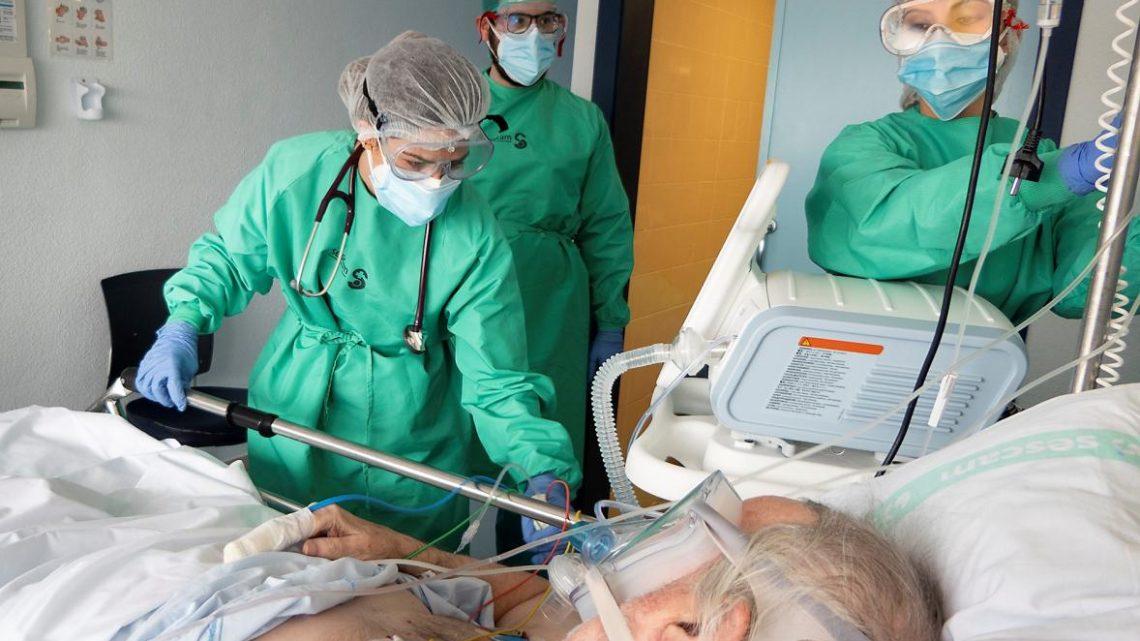 Se han registrado 458 nuevos casos por infección de coronavirus. Por provincias, Toledo registra 204 casos, Ciudad Real 98, Guadalajara 93, Cuenca 32 y Albacete 31.