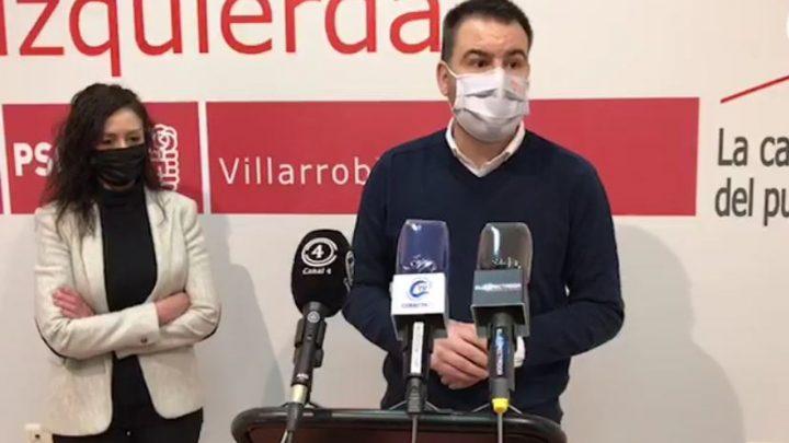 La concejala del Grupo Municipal Socialista en el Ayuntamiento de Villarrobledo, Rosario Herrera, ha acompañado al Diputado Regional Antonio Sánchez Requena quien se ha desplazado hasta nuestra localidad para informar sobre el Plan de Empleo de la Junta de Comunidades de Castilla-La Mancha