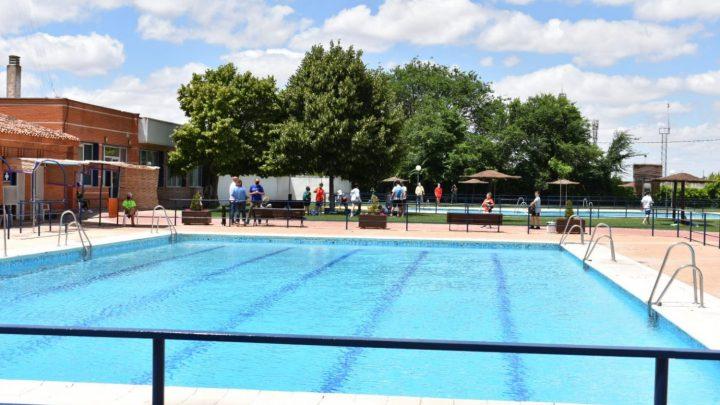 Comienza la temporada de baño con la apertura de la piscina municipal de verano