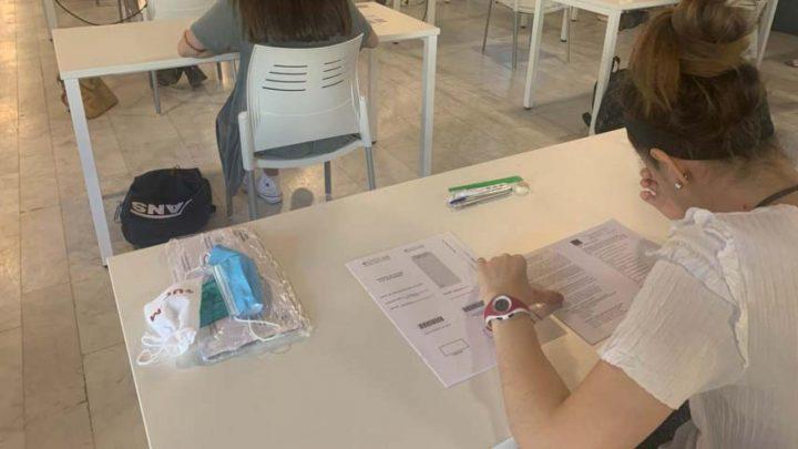 El Gobierno regional repartirá más de 42.000 mascarillas y otros tantos hidrogeles para las pruebas de la EVAU que comienzan mañana
