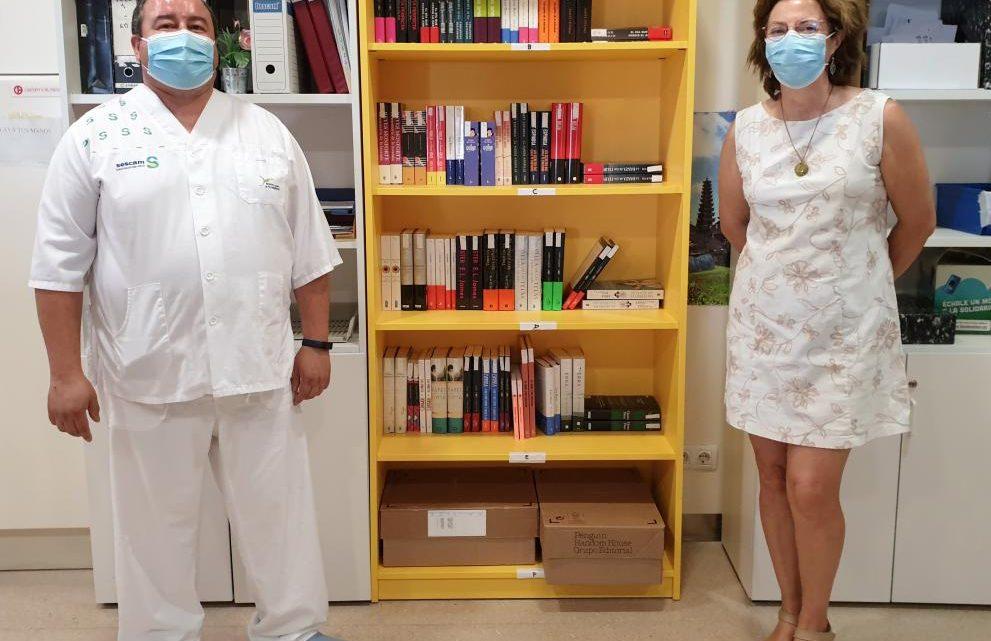 El Hospital General de Villarrobledo abre un servicio de biblioteca para hacer más llevadera la estancia de pacientes y acompañantes