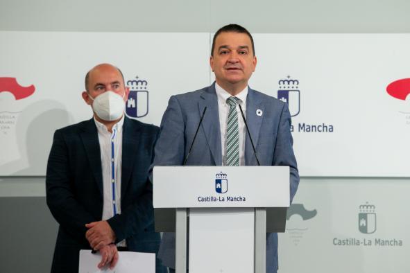 Señala que hay más de 33.000 personas esperando para ser operados en Castilla-La Mancha, donde el 56% de la población espera más de 6 meses de media